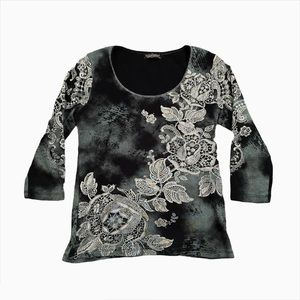 Grey and Black Y2K Graphic Quarter Sleeve Top
